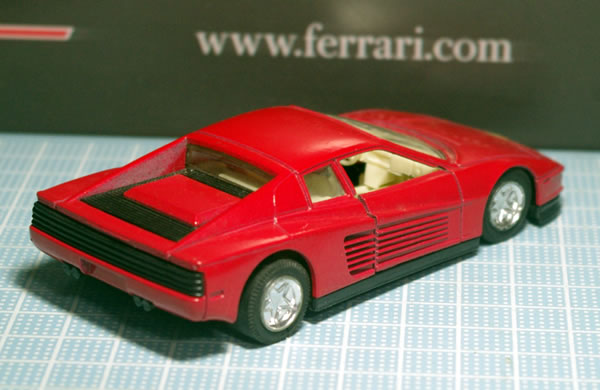 unknown_testarossa_2_red_pullback_rear.jpg