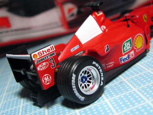 update_hotwheels_lastoria_ferrari_f1_2000_rear.jpg