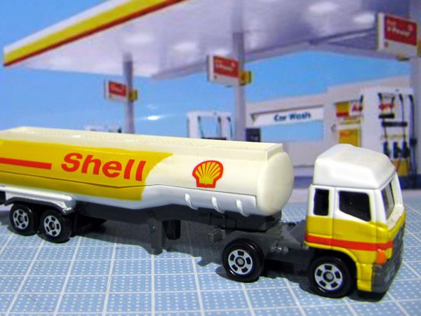 update_tomica_2009_shell_tanker.jpg