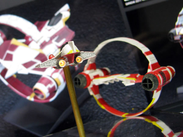 starwars__009_jedi_starfighter_s_daiza_09.jpg