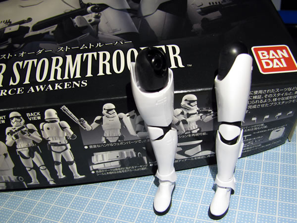starwars_fo_trooper_head_reg_04.jpg