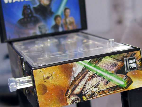 starwars_space_pinball_front_up.jpg