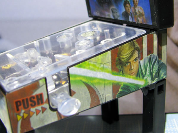 starwars_space_pinball_side_luke.jpg