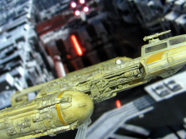 starwars_vehicle_005_y_wing_side_up_02.jpg
